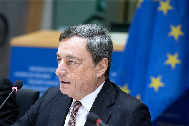 "Mario Draghi al PE, ""© European Union 2014 - European Parliament"" (Attribution-NonCommercial-NoDerivs Creative Commons license)"